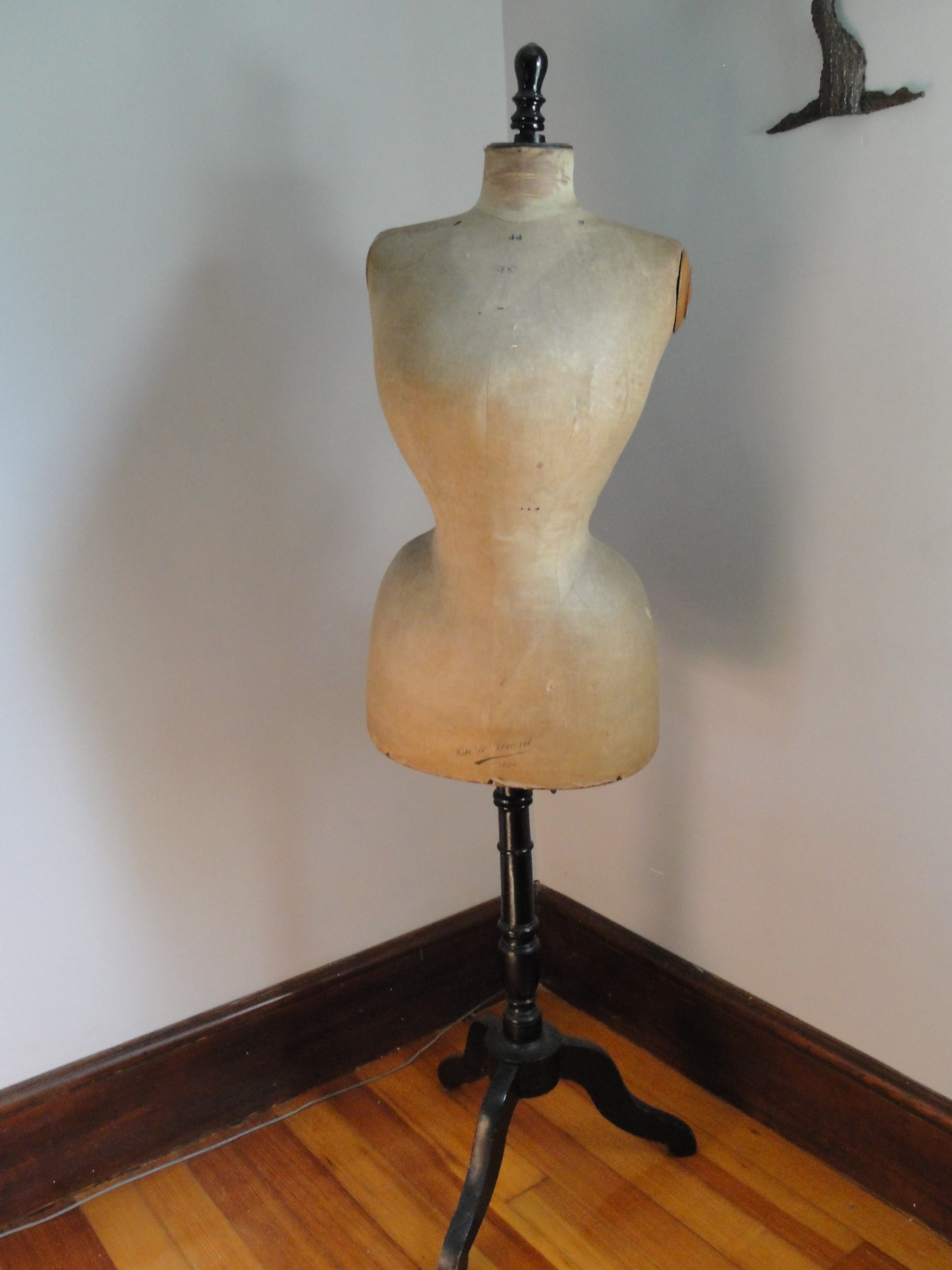 DRESS FORMS ~ MANNEQUINS - Plain & Elegant Antiques
